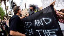 Una multitud de protestas pacíficas inunda las calles de Los Ángeles (EE.UU.)