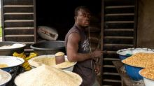 Nigeria closes borders in effort to stem rice smuggling