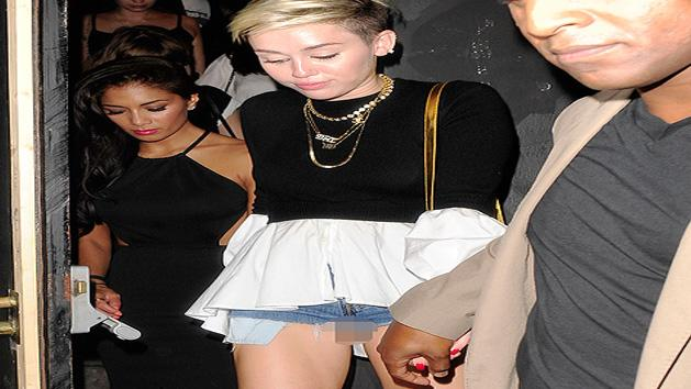 Miley Cyrus Faces Another Major Wardrobe Malfunction