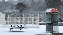 Aussie town wakes up to snow on second day of summer