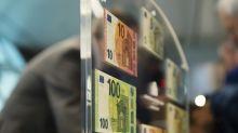 I rendimenti negativi dei titoli sovrani spingono verso i bond