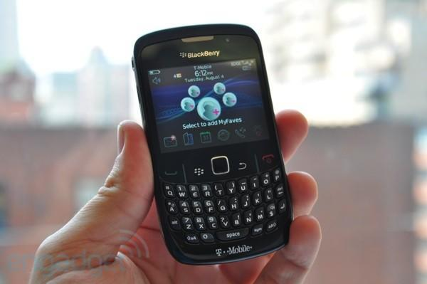 T-Mobile's BlackBerry Curve 8520 unboxed and handled (with video!)