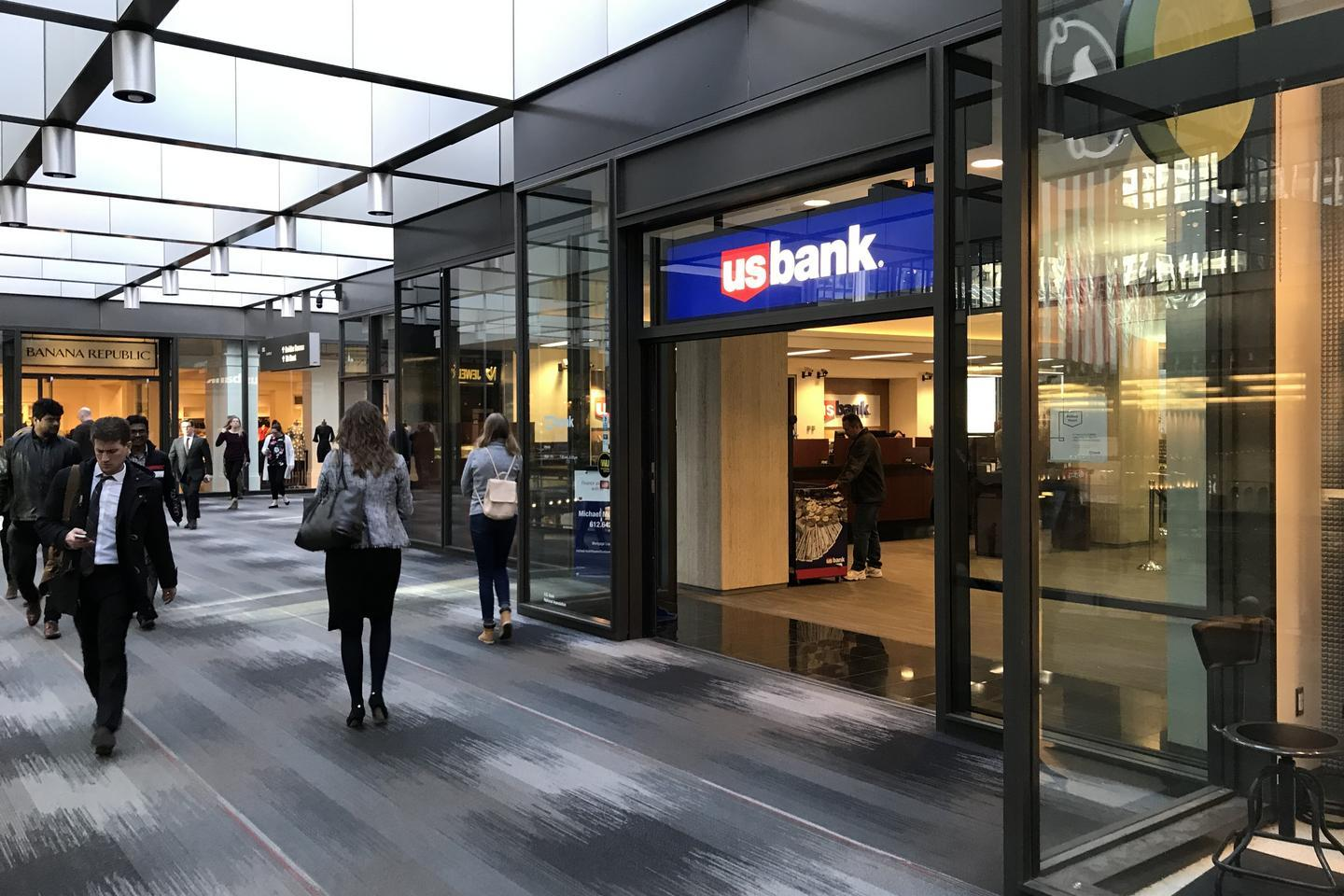News post image: U.S. Bank boosts pay 20 percent for 30,000 front-line workers