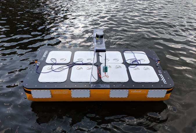 Roboat autonomous 2-person boat concept