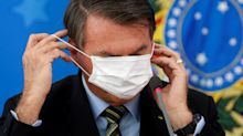 Bolsonaro veta novas medidas e afrouxa ainda mais lei que obriga uso de máscaras