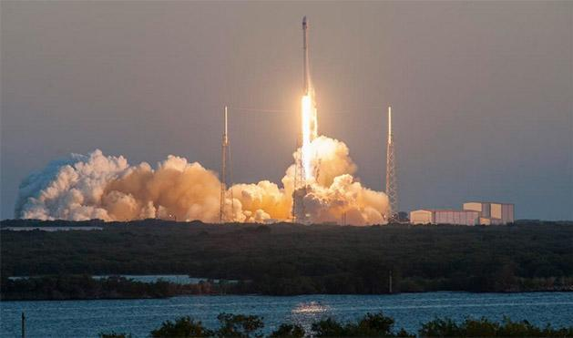 SpaceX launches DSCOVR but scrubs its barge landing