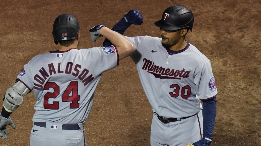 Playoff picture: Twins are in, Yanks are close