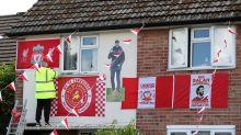 Liverpool fans celebrate title