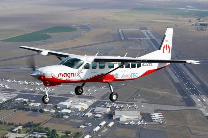Magnix and AeroTEC eCaravan electric aircraft on first flight