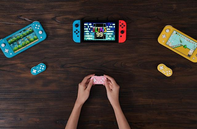 8BitDo's tiny keychain Switch controller is now available