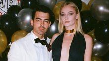 Sophie Turner aumenta suspeita de gravidez após passeio com Joe Jonas