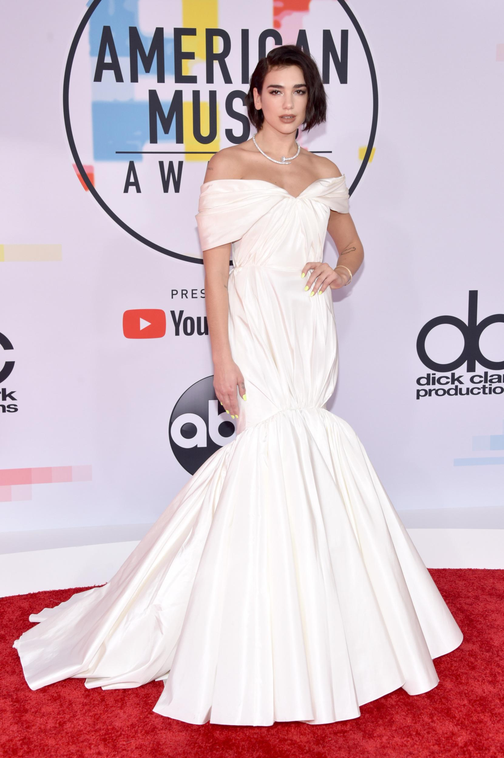 LOS ANGELES, CA - OCTOBER 09: Dua Lipa attends the 2018 American Music Awards at Microsoft Theater on October 9, 2018 in Los Angeles, California. (Photo by John Shearer/Getty Images For dcp)