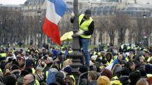"""Estallan enfrentamientos en nueva protesta de """"chalecos amarillos"""" en Francia"""