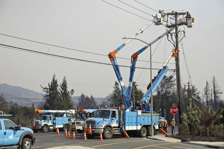 California utilities shut off power amid wildfire concerns