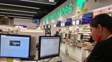 2500 mètres carrés, 55 salariés… Dans les coulisses de la plus grande pharmacie de France