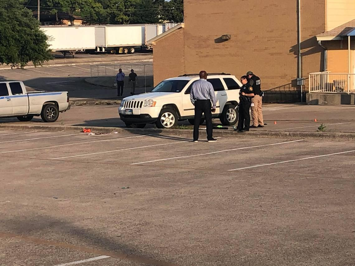 Teenager shot in Fort Worth high school parking lot has died, police say