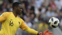Goleiro da França, Mandanda testa positivo para Covid-19 e perde estreia da seleção na Liga das Nações