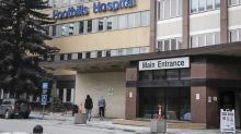 Calgary hospital restricts visitors, postpones surgeries as COVID-19 infections grow