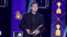 Robin Lehner delivers strong message at NHL awards: 'I'm mentally ill, but that doesn't mean mentally weak'