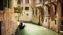 Tourist 'headbutts gondolier in Venice after selfie dispute'