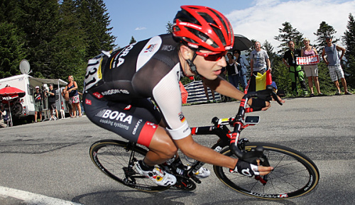 Radsport: Buchmann stark am Berg - Yates in Gelb