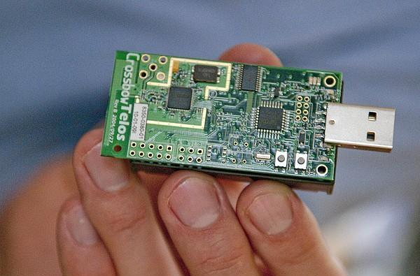 Scientists attempt to predict flu spread, give ZigBee radios to 700 high school students