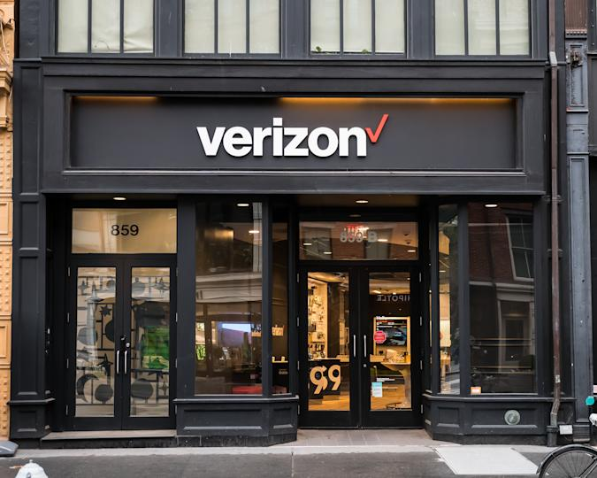 April 18, 2018 - New York City, USA. Verizon store located in Manhattan.
