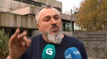 Suspendido el docente gallego denunciado por mofarse del escote de una alumna
