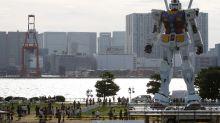 """Gundam, il robot dei cartoni """"prende vita"""" in Giappone"""