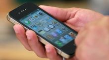 US agency bans iPhone 4 imports