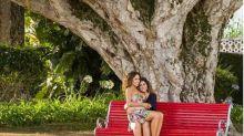 Daniela Mercury aparece em clique romântico com a esposa: 'Amor'