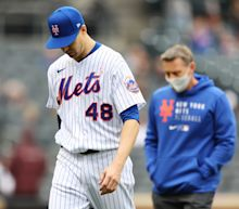 Jacob deGrom reportedly headed to IL with right side tightness
