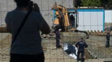 Experts remove British WWII bomb from French port city