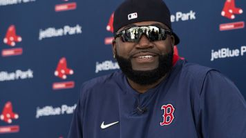 Ortiz defends 'legit' Manfred from critics