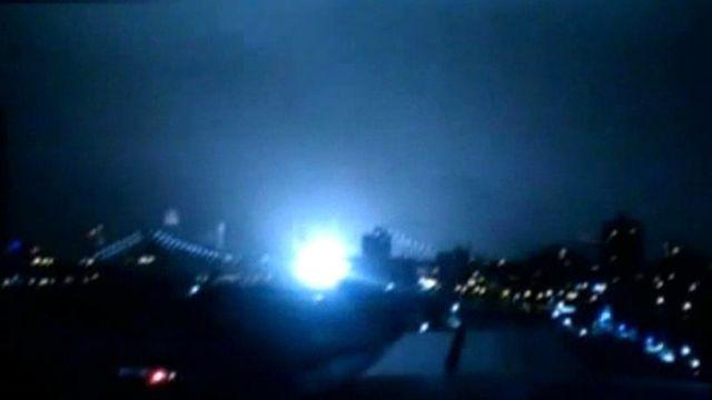 Manhattan electrical substation explosion caught on video