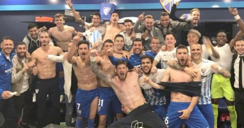 Foot - WTF - Espagne : Camacho fête à pleine main la victoire de Malaga sur le Barça