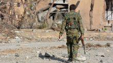Miles de cadáveres recuperados en Raqa, al año de ser expulsado el EI
