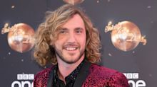 'If you're going to cheat, do it indoors!': Seann Walsh uses Strictly affair in new comedic tour