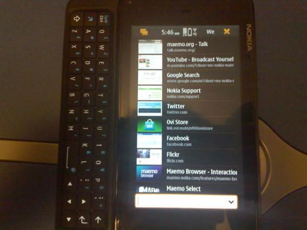 Nokia N900 glitch leads to useful portrait mode, caught on video