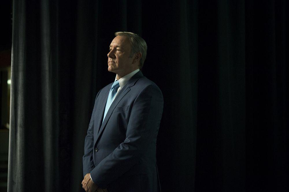 Mais homens acusam Kevin Spacey de assédio, e Netflix cancela 'House of Cards'