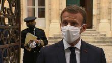 """""""Si je ne donne pas l'exemple, je vais me faire rouspéter"""": Macron refuse d'ôter son masque pour une photo"""