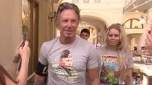 Mickey Rourke Buys Putin Shirt, Expresses Support for Russian President