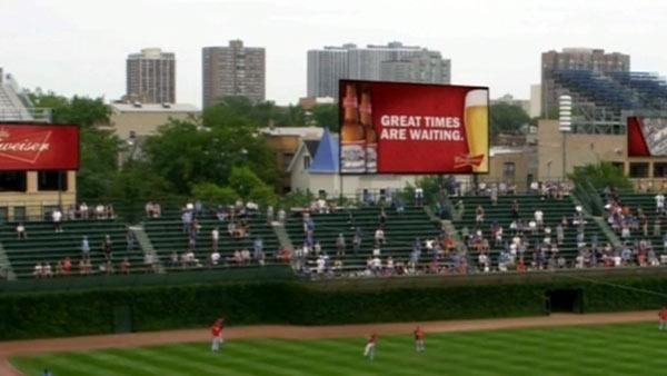 Wrigley Field improvements, Cubs issues discussed at community meeting