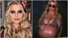 Jessica Simpson praised for pregnant bikini post