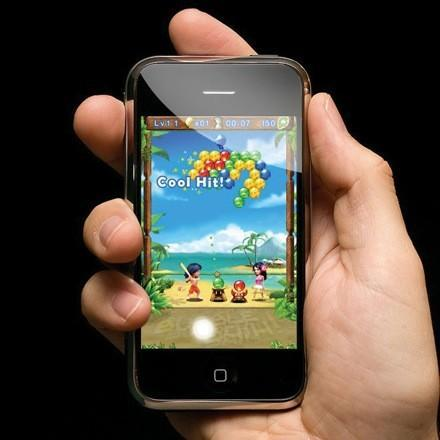 iPhone guns for PSP and DS market share as Gameloft commits, Id too