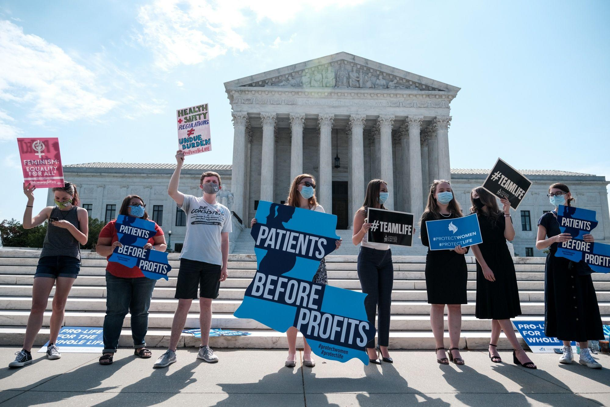 US Supreme Court Strikes Down Restrictive Abortion Law