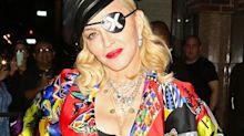 Madonna : nue avec une béquille dans sa salle de bain… La photo lunaire qui interloque ses fans