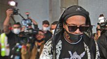 Timing do filme de Ronaldinho tenta abafar polêmica prisão no Paraguai; o filme falará do extracampo?