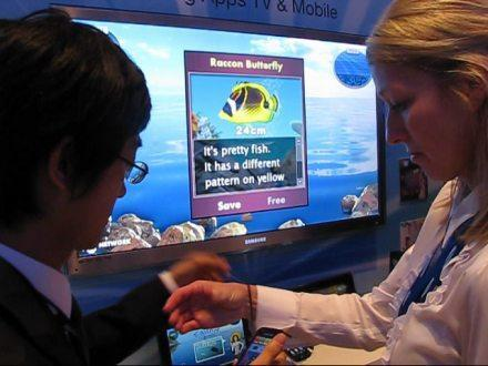 Samsung Apps demo ties phone & TV together in Wiimote-like bliss