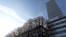 Roche Left Seeking a Niche as Merck Dominates Lung-Cancer Market